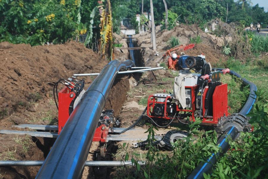máy hàn ống HDPE tại công trình cấp thoát nước
